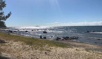 Stort Skifteshus med egen strand