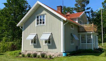 Annagården vackert beläget hus vid sjön Rusken