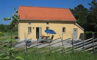 Nord-Gotland, Haus an der schönen Steinküste