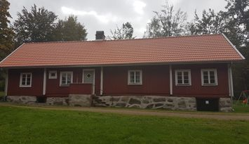 Charming farmerhouse by the lake Raslången