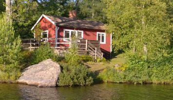 F07/Malmqvist - Stuga vid insjö