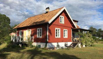 Stort hus vid havet i Gnisvärd, Gotlands Tofta