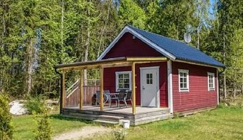 Cottage Abborren close to the lake (Free Wi-Fi)