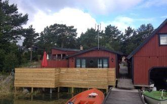 Arkösund, lake dwelling on Lindöviken. Fishing.