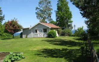 Summer cottage by Lake Vättern/Hökensås