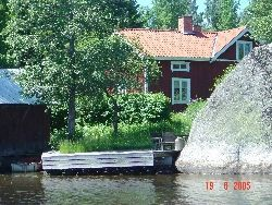House by the lake, in the middle of Sweden