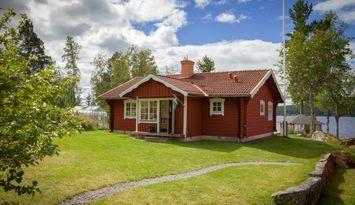 Stuga med sjötomt i Sundborn, Dalarna