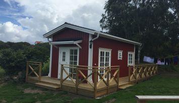 Havsnära, nybyggd stuga i Stockevik