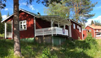 Villa/fritidshus i närhet till sjö och skog