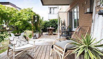 Lägenhet i centrala Visby med stor uteplats