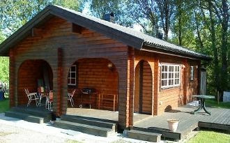 Cottage close to lake (100km SE of Göteborg)