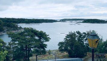 Stuga med havsutsikt på Utö i Stockholms Skärgård
