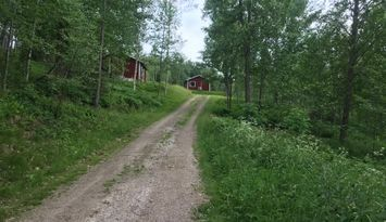 2 stugor vid sjö 15 min från Åmål