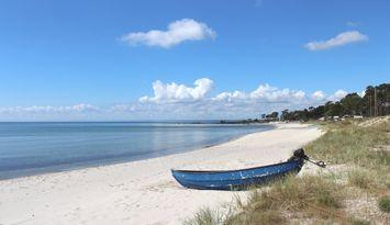 Mysig strandnära stuga. 250m till Havet & Naturen!