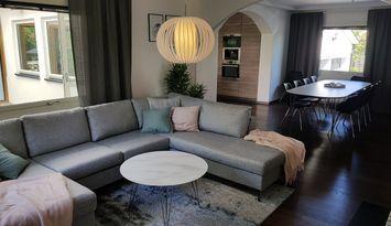 Nyrenoverad fin villa centralt Visby uthyres