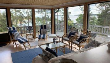 Hus i St Annas skärgård , utsikt över Finnfjärden