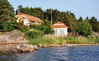 Seaside house with nice fishing and close to golf