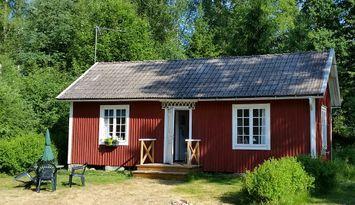 Stuga i S Småland, Tingsryd, skog, sjöar och fiske