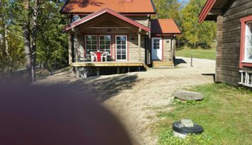 Cozy cottage by lake and near skiing - Funäsdalen