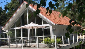 Modern Sommarvilla vid havet i Yngsjö, nära Åhus