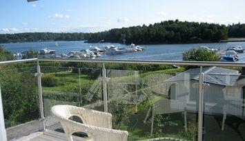 Stort hus nära Stockholm, vatten, bad och natur