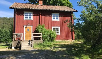 Charming country cottage in Närke