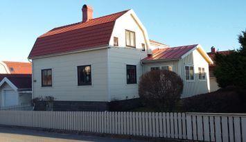 Barnvänligt havsnära + centralt hus 1-2 familjer
