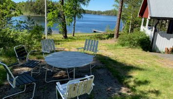 Lakeside cottage in Småland for relaxation