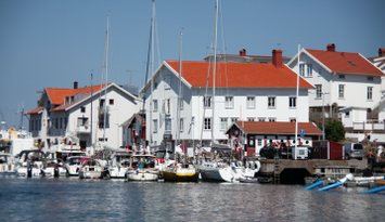 Apartment overlooking the harbour in Grundsund.