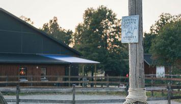Bunkhouse på hästgård i natursköna Idala!