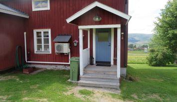 Gårdslägenhet i Klövsjö