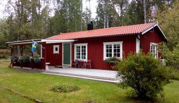 Stuga 4+2 personer uthyres ca 3 mil söder om Växjö