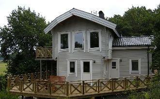 Hus byggt 2010, 8 bäddar och 5 minuter från havet.