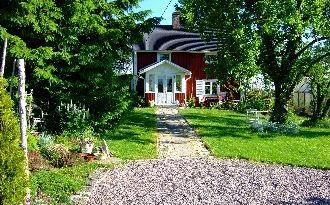 Cottage with florid garden privately situated