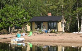 Sommarstuga vid Östra Laxsjön