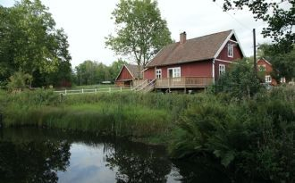 Popular summerhouse by the river