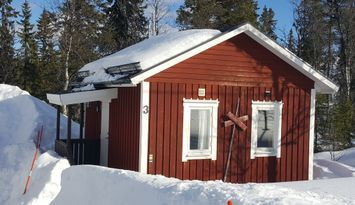 Trevlig liten stuga i snösäkra Storhogna.
