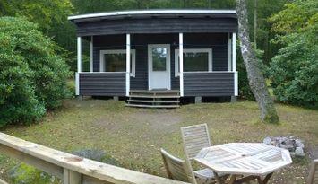 F01/Bokhöjden - Cottage by the lake