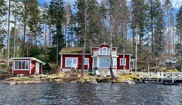 Hus med sjötomt (8 sovplatser)