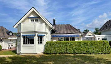 Haus in schöner Lage in Ekerums Golfdorf