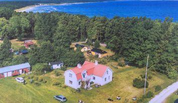Hus på Fårö vid Ekeviken badstrand