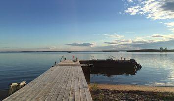 Hus på Sandhamn med egen strand och brygga