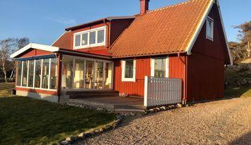 Villa i strandläge, fri havsutsikt, naturreservat