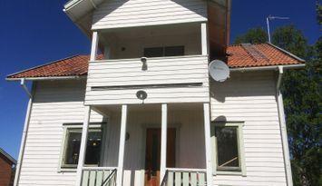 Stort hus i natursköna Rätan