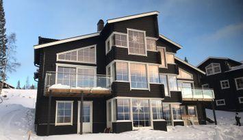 Stor etage lgh m. ski inn- ski out i Åre Sadeln