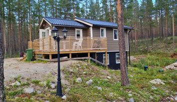 Modern stuga 4+2 bäddar i lugnt område, Björnrike