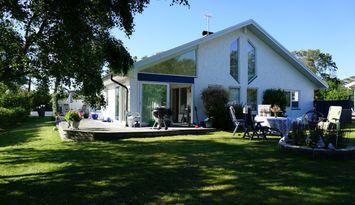 Beachfront villa in Frösakull, Halmstad