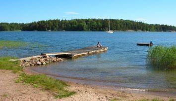 Skärgårdsstuga på ön Klyppingen väster om Furusund