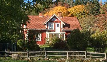 Stort lantligt hus på landet