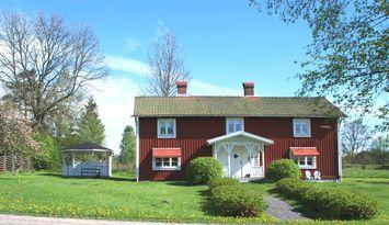 """Stuga Äppellund – bo med """"Bullerby-atmosfär"""""""